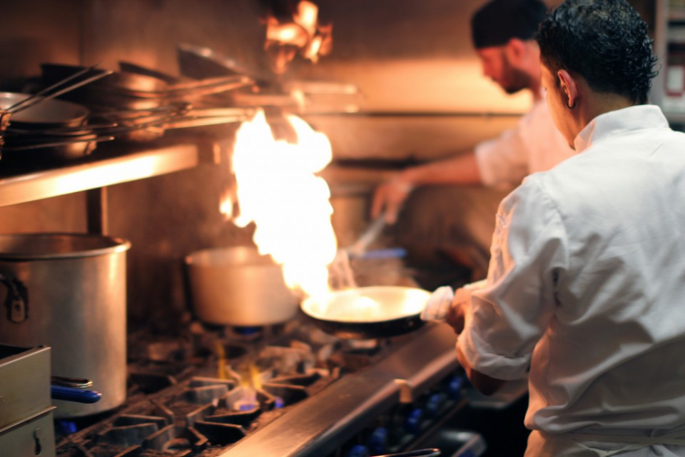 """""""Dirty Dining"""" Study Shows Where Eating Out Is A Riskier Proposition In Chicago"""